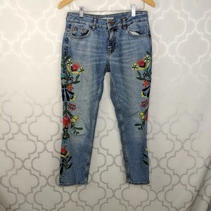 Zara Embroidered Floral Blue Jeans